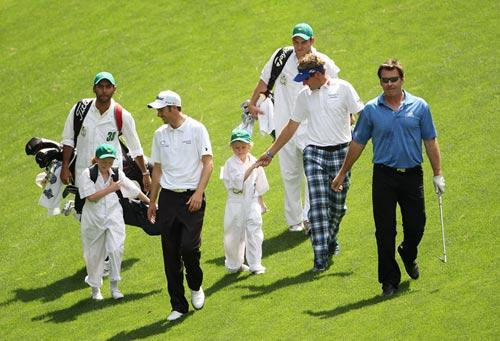 球手的孩子早入行 高尔夫名人赛上阵父子兵