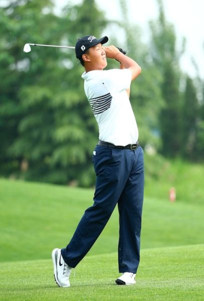 首次出现在职业比赛中的张俊斌